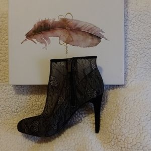 Lace booties black 8.5